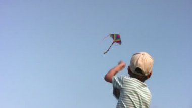 Boy with kite — Stock Video