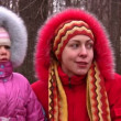 Mother with girl in fur clothes — Stock Video
