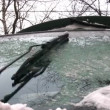 Windshield wipers winter — Stock Video