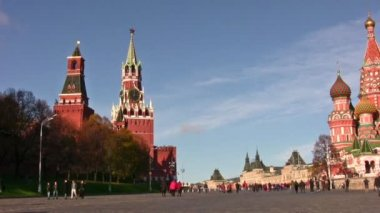 Moscow kremlin and church panning — Stock Video