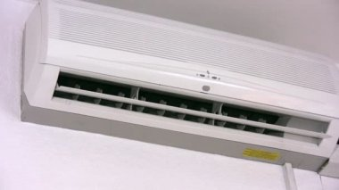Air-conditioner and remote control — Stock Video