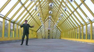 Happy businessman on bridge. Time lapse — Stock Video
