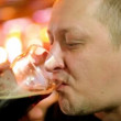 Man drinks beer — Stock Video