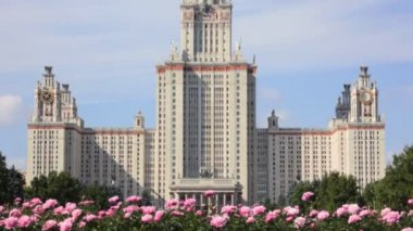 Lomonosov Moscow State University from bottom to top — Stock Video