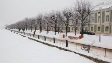 Riverside in winter city — Video Stock