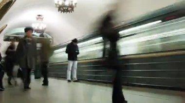 Boarding passenger in train metro. Time lapse — Stock Video