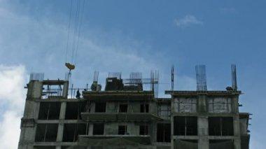 建設現場での雲します。時間の経過 — ストックビデオ