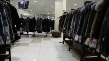 Panorama of fur coat shop — Vídeo de Stock