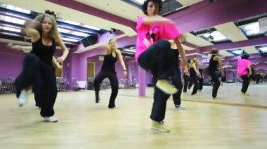 Girls dance in violet dancing room — Stock Video