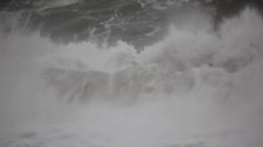 Dark water of sea in storm, dull weather — Stock Video