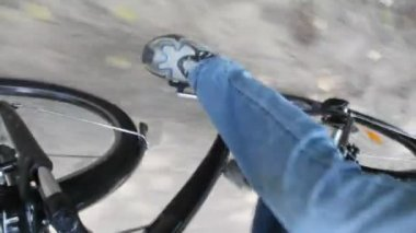 Legs of man pedaling on bicycle — Stock Video