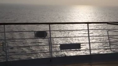 View of evening sea from deck of cruise ship — Vídeo de Stock