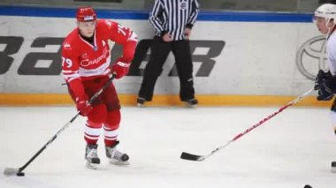 "Hockey match ""Spartak""-""Almaz"" of MHL in sports palace ""Sokolniki"" — Stock Video"