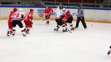"""Hockey match """"Spartak""""-""""Almaz"""" of MHL in sports palace """"Sokolniki"""" — Stockvideo"""