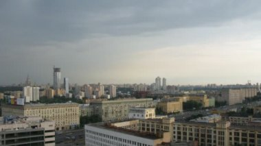 Sky over Western Administrative District in Moscow, Russia. — Stockvideo