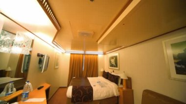 Interior passenger cabin bedroom in cruise ship, vertical panning — Stock Video