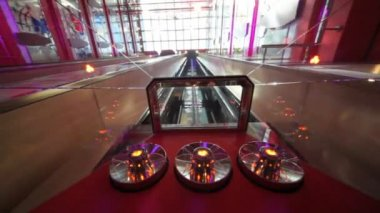 Glass ceiling of elevator moving down in multilevel interior of cruise ship — Stock Video