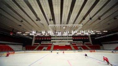 "Announcement of team on junior hockey match ""Spartak""-""Almaz"" of MHL — Stock Video"