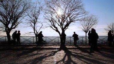 Foto tirada e olhares em paris da colina de montmartre, paris, França — Vídeo stock