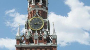 Spasskaya tower de moscou kremlin en russie — Vidéo