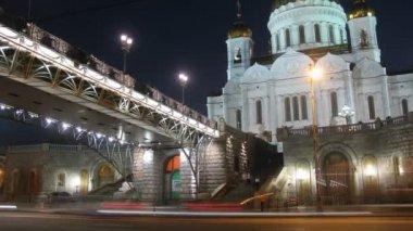 собор христа спасителя и мост — Стоковое видео