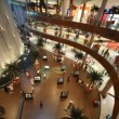 Top view on visitors inside Dubai Mall in Dubai, UAE. — Stock Video