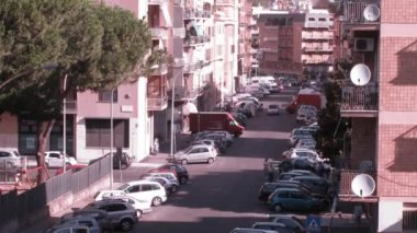 Heavy vehicle traffic at some street of Rome at day — Stock Video