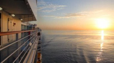View from cruise ship moving in sea — Vídeo de Stock