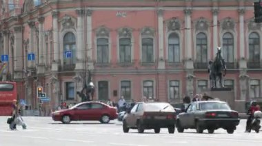 Nevsky prospect in Sankt-Petersburg, Russia. — Stock Video