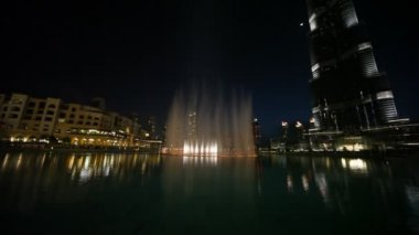 General view on amazing fountain near Burj Dubai in Dubai, UAE — Stock Video