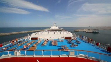 On top deck of cruise ship — Stock Video