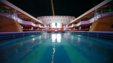 Water pool on top deck of cruise ship — 图库视频影像