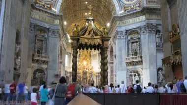 Are in basilica di San Pietro (San Pietro church) in Vatican City, Italy. — Stock Video