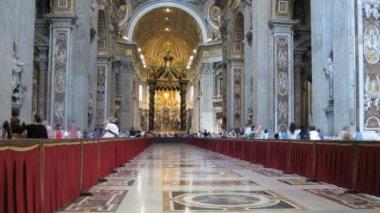 Są w basilica di san pietro (Kościół san pietro) w Watykanie — Wideo stockowe