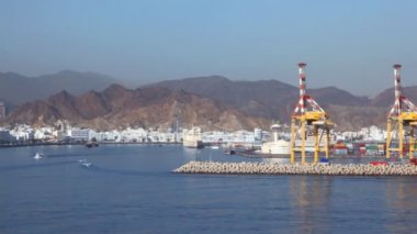 Seaport of Muscat, Oman, view from moving ship — Stock Video