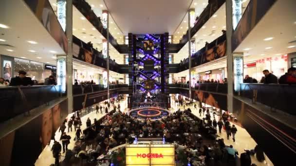 Atrium principal du centre commercial « européen » à moscou, russie. — Vidéo
