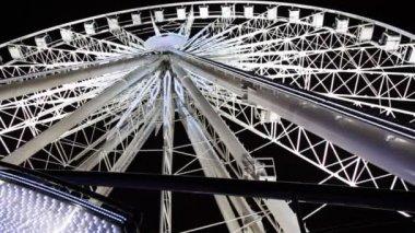 Big wheel, attraction — Stock Video