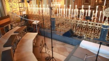 Choir loft and church chandelier in Christ the Savior Cathedral — Stock video