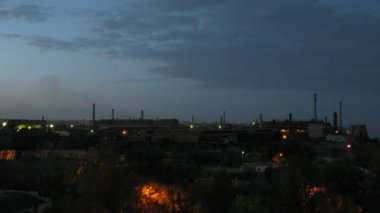 Big factory in Volgograd at evening time — Stock Video