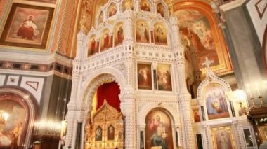 Iconostasis and interior of main dome in Christ the Savior Cathedral — Stock Video