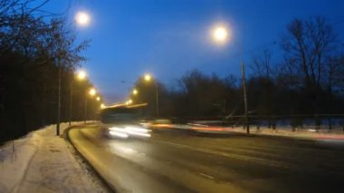Road with heavy vehicle traffic, time lapse — Stock Video