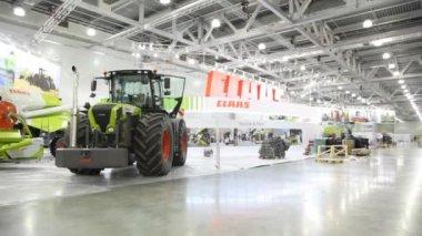 Agrosalon 展覧会農業機械. — ストックビデオ