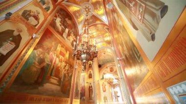 Innere passage in christus der erlöser-kathedrale — Stockvideo