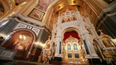 Iconostasis illustration of biblical characters in Christ Savior Cathedral — 图库视频影像