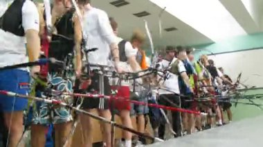 Young men participate in IV Traditional archery tournament in RSUPES&T — Stock Video