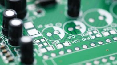 Printed circuit board with radio components rotates counterclockwise — Stock Video