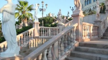 Instep motion on stone stairs in park of Castello Flotta near the Ionian coast — Stock Video