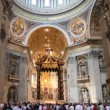 Central nave of St. Peters Basilica (Basilica di San Pietro) in Vatican — Stock Video #28811871