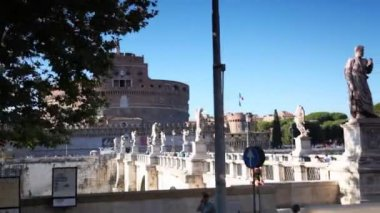 Bridge and Castel Sant Angelo in Rome — Stock Video