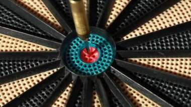 Dart with American flag hit target directly — Stock Video